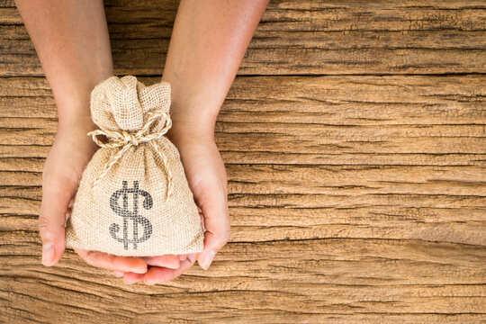 闇金や給料ファクタリングに強く即日対応する士業の存在